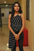 Akshida in Black Tank Top at Kalamandir Foundation 7th anniversary Celebrations ~  Actress Galleries 015.JPG
