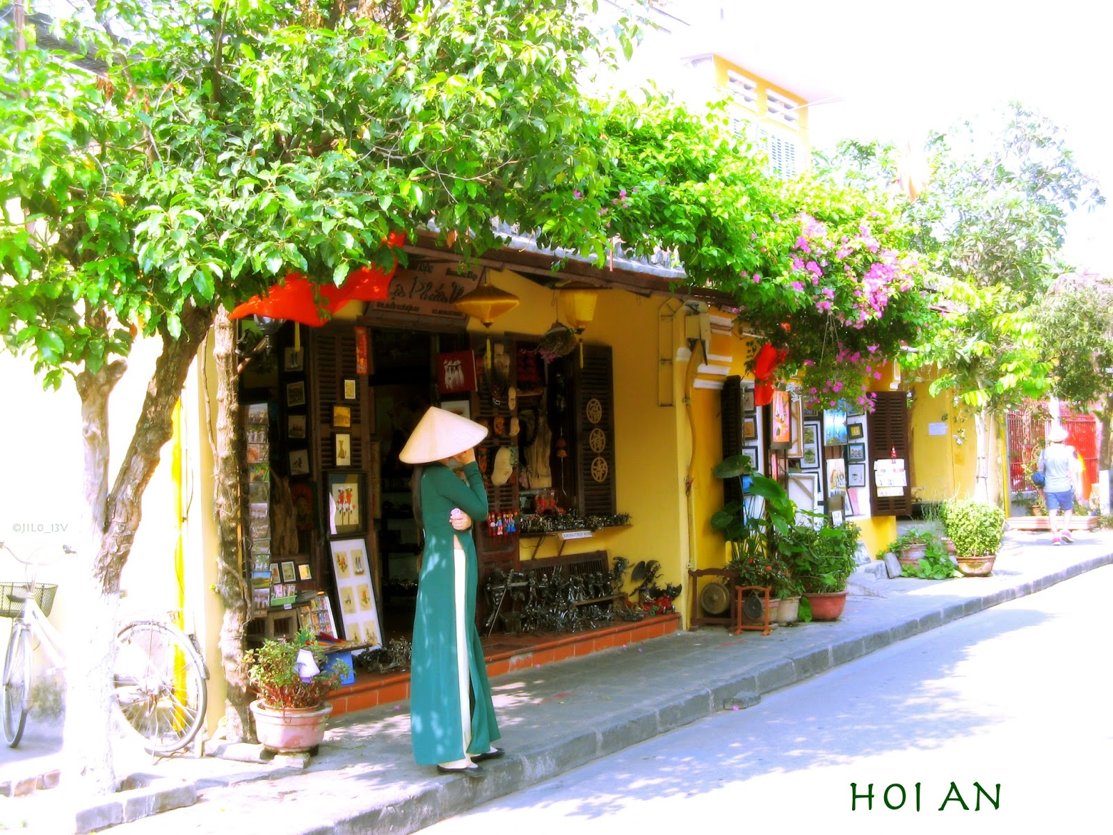 hoi an old town an ancient The ancient town of hoi an is a typical example of traditional ports in southeast   coming to hoi an, besides interesting excursions outside the old town to enjoy.