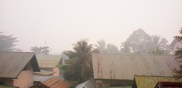 kabut asap Alt dan Title bencana asap