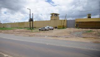 Auxiliar penitenciário temporário é preso com arma de fogo furtada