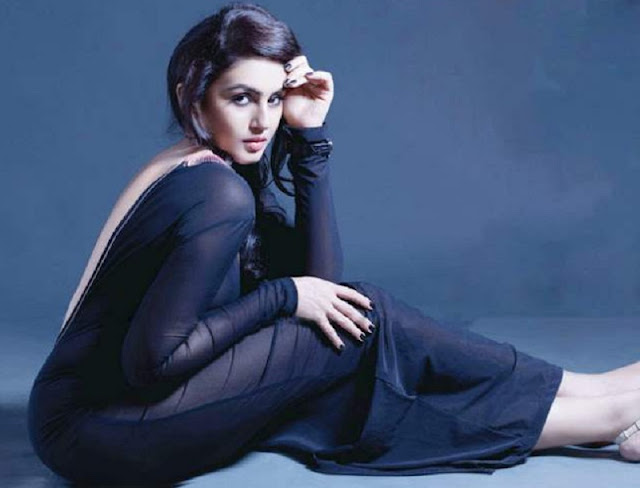 Actress Huma Qureshi HD Wallpapers