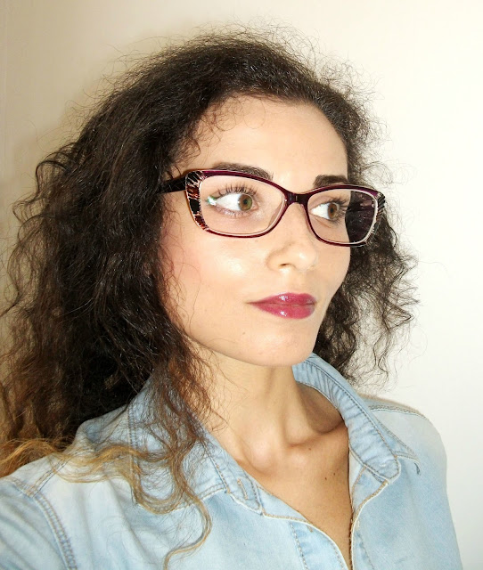 Blogger-Valentina-Chirico-wearing-Lesley-cat-eye-eyeglasses-GlassesShop-vintage