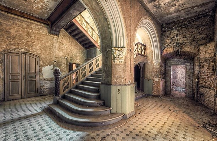 16-Christian-Richter-Architecture-with-Photographs-of-Abandoned-Buildings-www-designstack-co