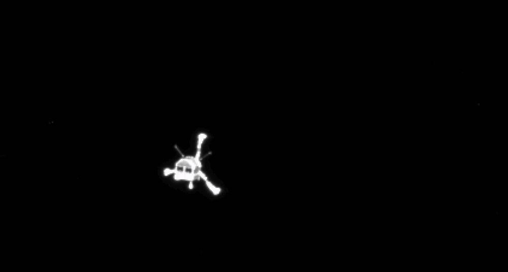 Phi thuyền Rosetta được nhìn từ robot thăm dò Philae khi nó đã đổ bộ thành công. Hình ảnh bởi ESA.