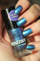 http://lacquediction.blogspot.de/2013/11/essence-superheroes-swatches-reviews.html