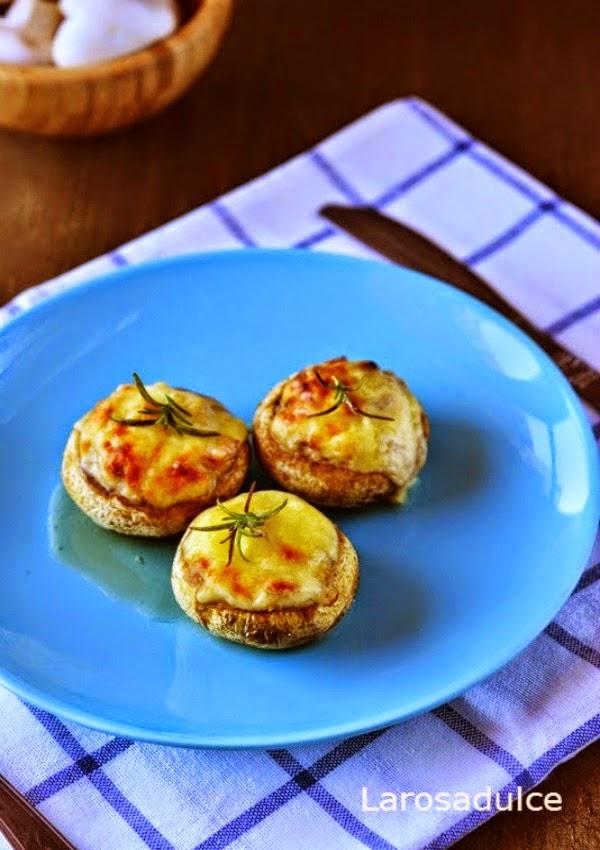 Cahmpiñones rellenos de beicon y queso sin lactosa