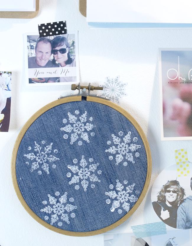 Ynas Design BLog | Schneestempeln mit Stofffarbe | Jeans im Stickrahmen