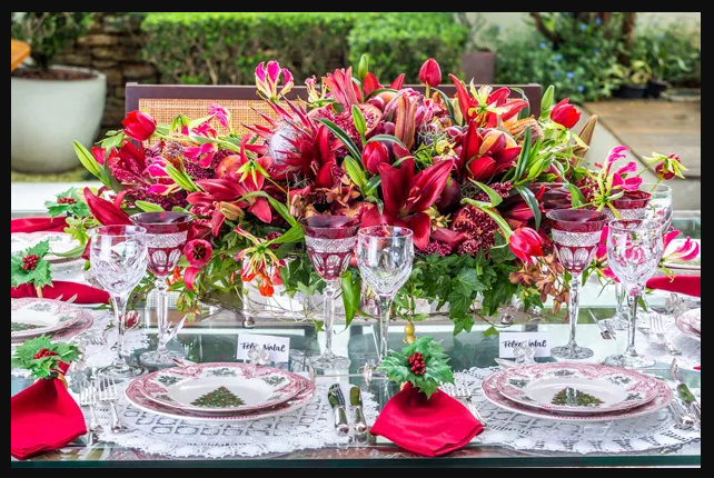 mesa de natal: com flores e frutas
