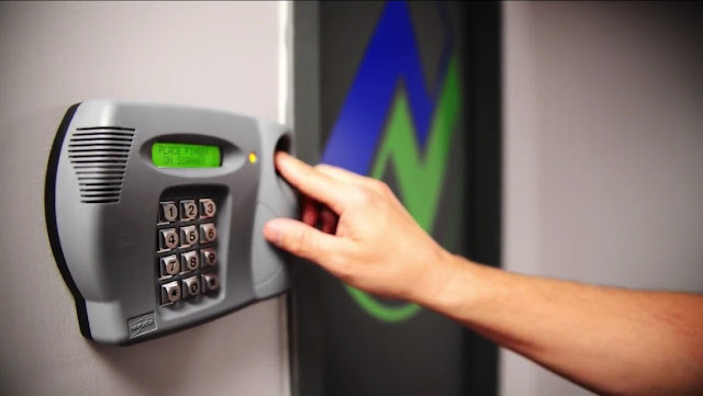 Contoh Teknologi Biometrik untuk Akses Ruangan