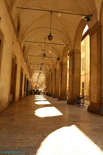Piazza Grande, Etruscs, Giorgio Vasari, Toscana, Itàlia