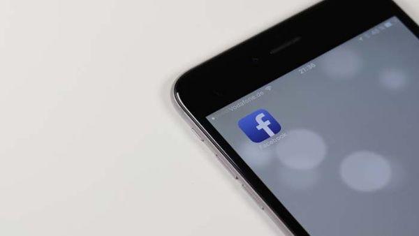 Diez por ciento de las cuentas en Facebook son duplicadas