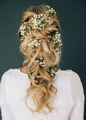 K'Mich Weddings - wedding planning - floral crown - loose hairstyle with white flowers