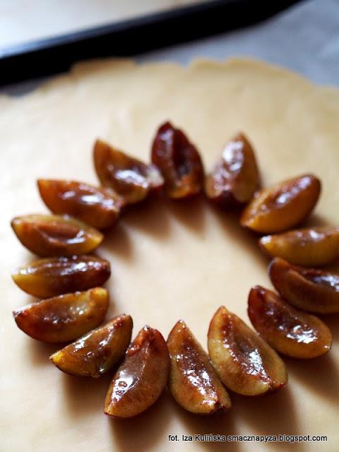 galette ze sliwkami, tarta sliwkowa, ciasto ze sliwkami, ciasto kruche, ciasto na niedziele, rustykalna tarta, jak zrobic tarte ze sliwkami, latwa tarta z owocami