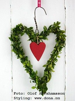 valentine wreath from a hanger