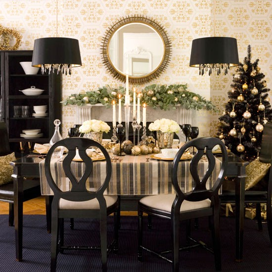 37 Stunning Christmas Dining Room Décor Ideas: Anyone Can Decorate: Christmas Dining Table Decorating Ideas