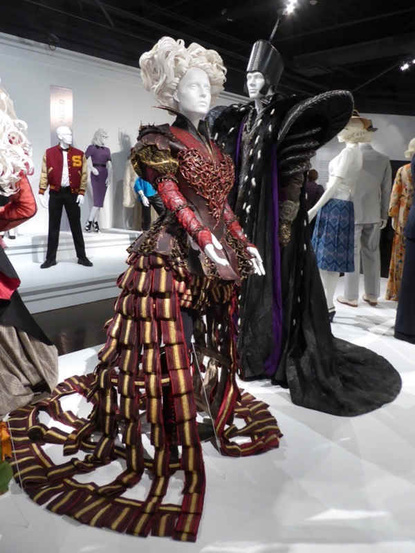 Alice Through the Looking Glass movie costumes