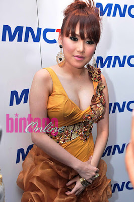 Ayu Ting Ting Hot