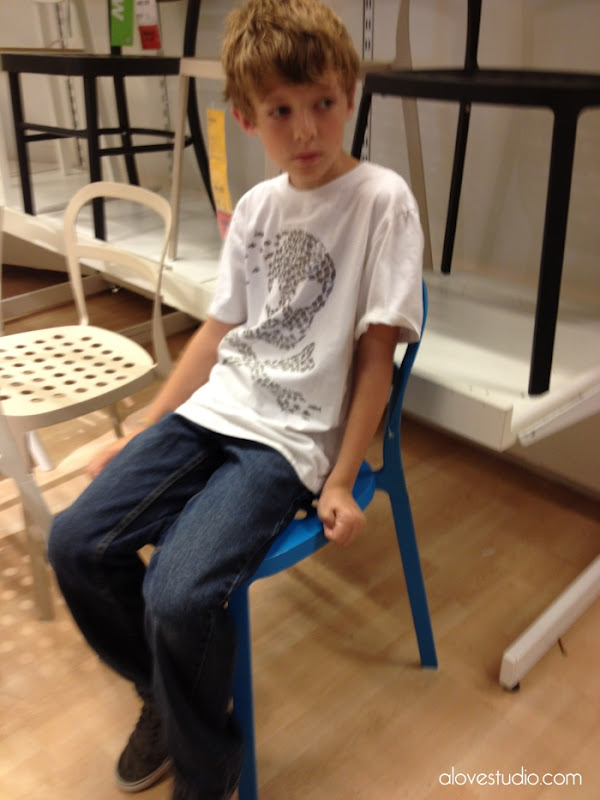 chair for autistic child how to make a slipcover boy tied images - usseek.com