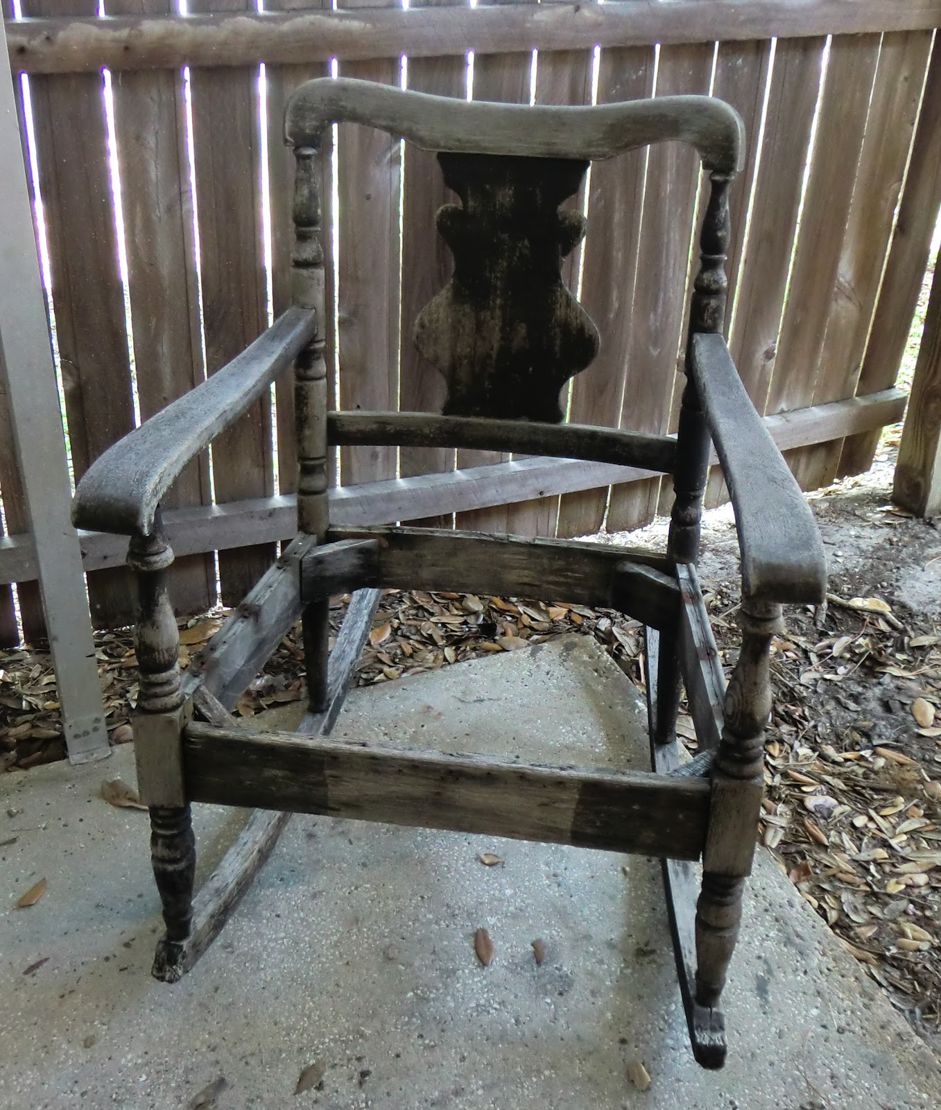 Planters Chairs: Shabby Glam: Rocking Chair Planter