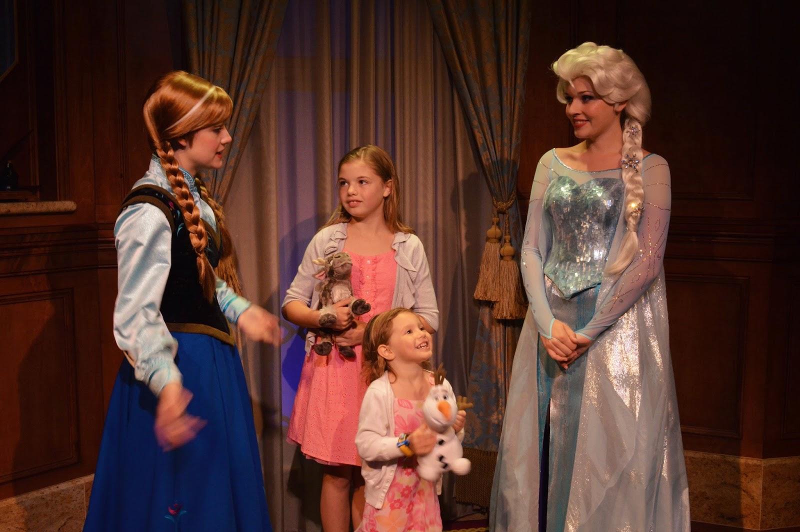 meet anna and elsa magic kingdom