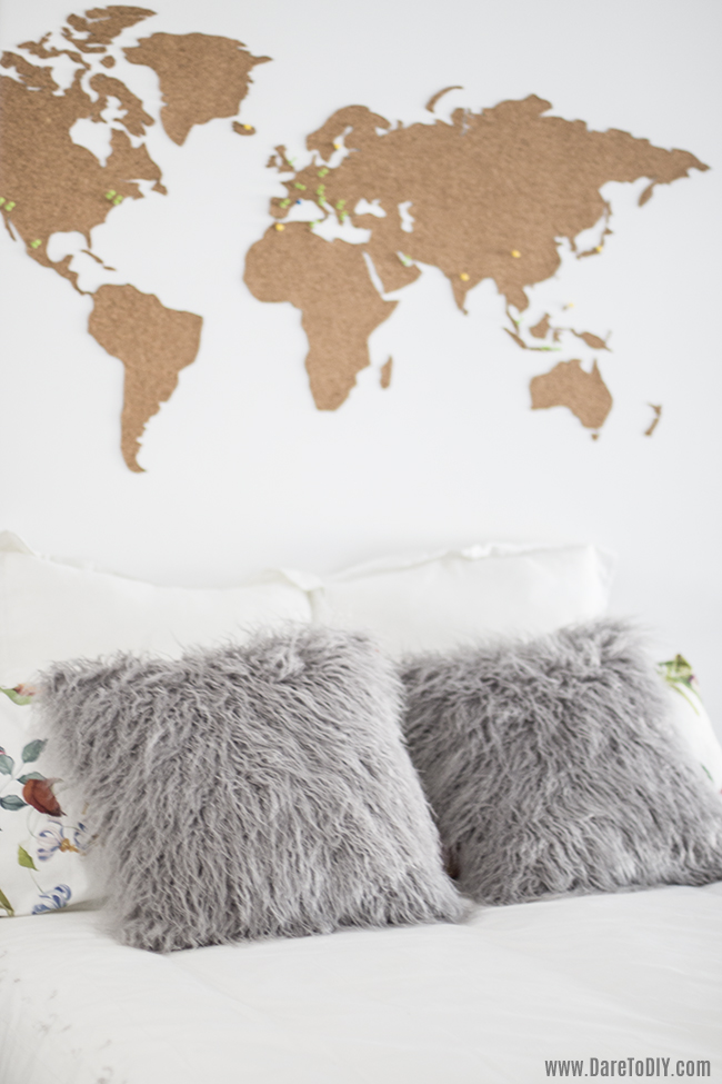 Dare to diy diy room decor cabecero con mapa del mundo - Formas de pintar una pared ...