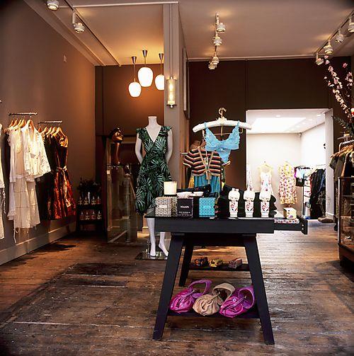 Mititique Boutique: Beautiful Modern Boutique Interior Design