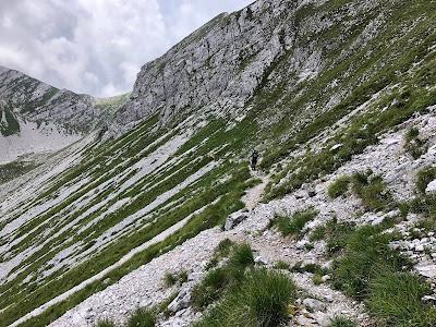 Walking under Monte Vigna Vaga and heading toward Passo di Fontanamora.