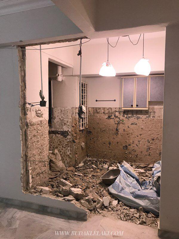 Aku Pecahkan Dinding Pemisah Antara Dapur Dan Ruang Tamu Supaya Nampak Lebih Luas