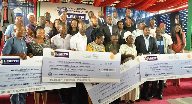 Ambode disburses N1bn to 705 beneficiaries of N25bn ETF
