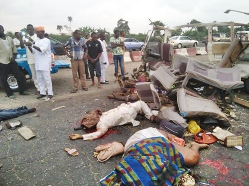 Nine Killed and Many Injured in Ghastly Car Crash at 3rd Mainland Bridge in Lagos