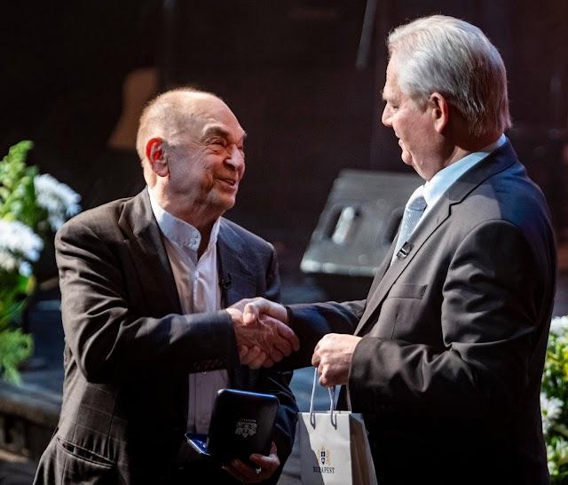 Gálaműsorral köszöntötték a 85 éves Bodrogi Gyula színművészt a Nemzeti Színházban