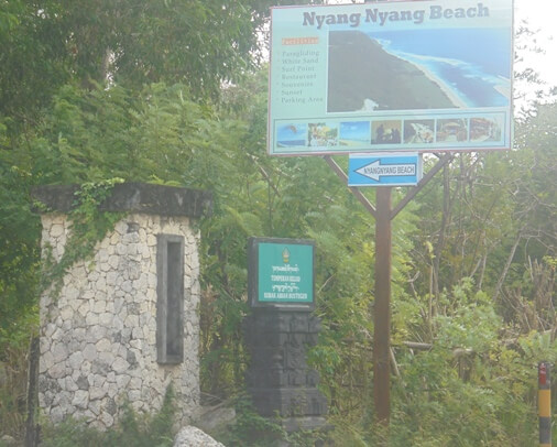 together with i of the virtually beautiful surf spots in Bali BeachesinBali: Nyang Nyang Beach Bali Surf at Pecatu (Bukit Peninsula)