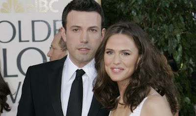 Instamag-Affleck, Garner 'still figuring' out relationship