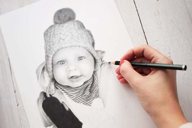 Proceso creativo de un retrato infantil a lápiz