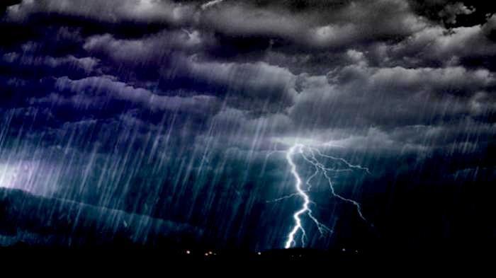 Ini Penyebab Terjadinya Petir Saat Hujan Akan Turun