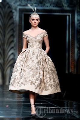 Baju Kebaya Wanita Gemuk Rancangan Anne Avantie Modern