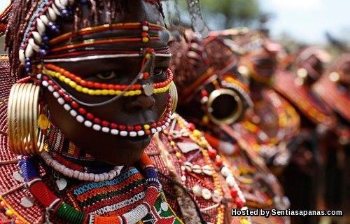 Meludah Pengantin - Kenya