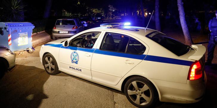 Κρήτη: 29χρονη πήγε να «σκάσει» λάστιχα περιπολικού αντιδρώντας για τα πρόστιμα σε μπαρ