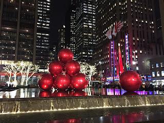 Navidad en Nueva York con Radio City Music Hall de fondo