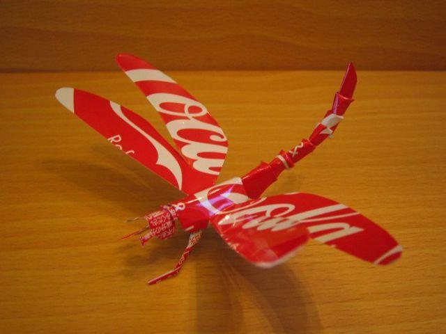 escultura con lata de coca-cola