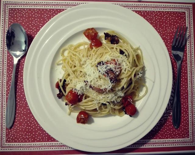 špagety se slaninou