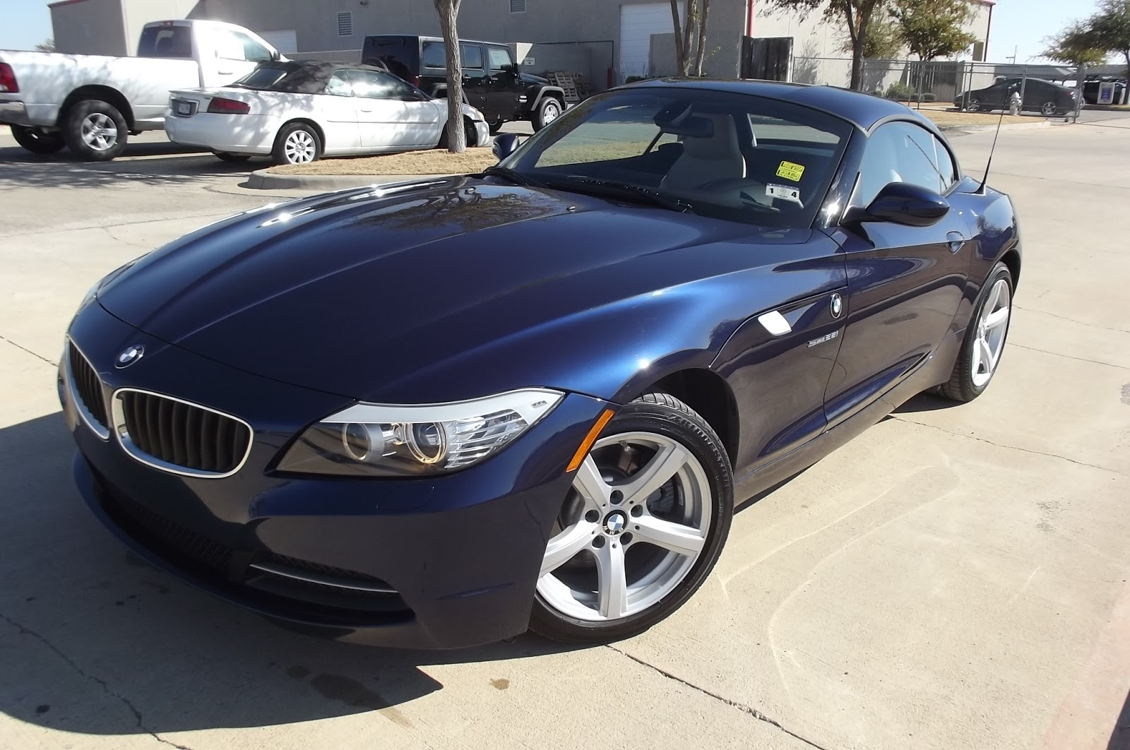2012 bmw z4 sdrive 28i hardtop convertible roadster call. Black Bedroom Furniture Sets. Home Design Ideas
