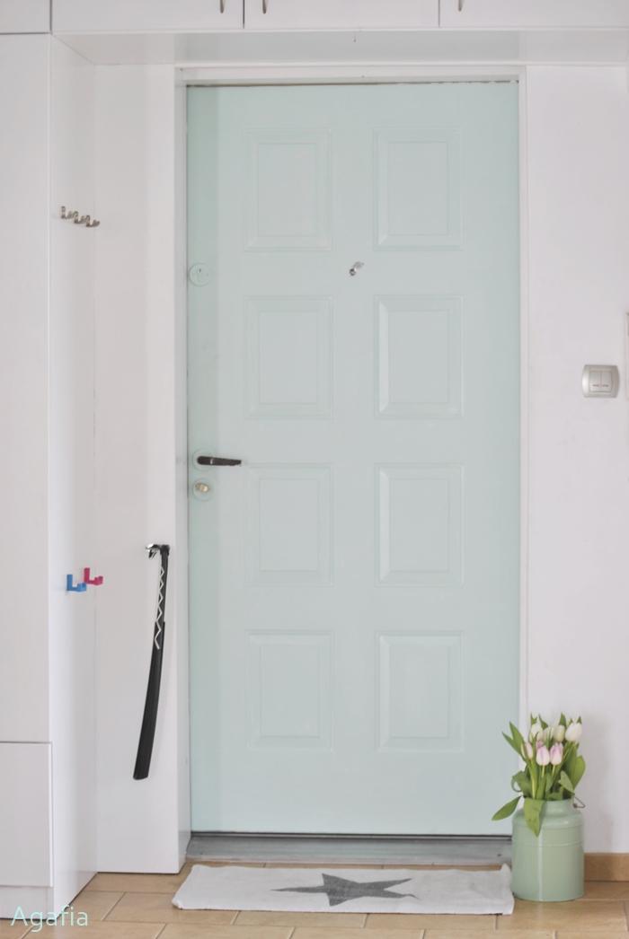 miętowe drzwi