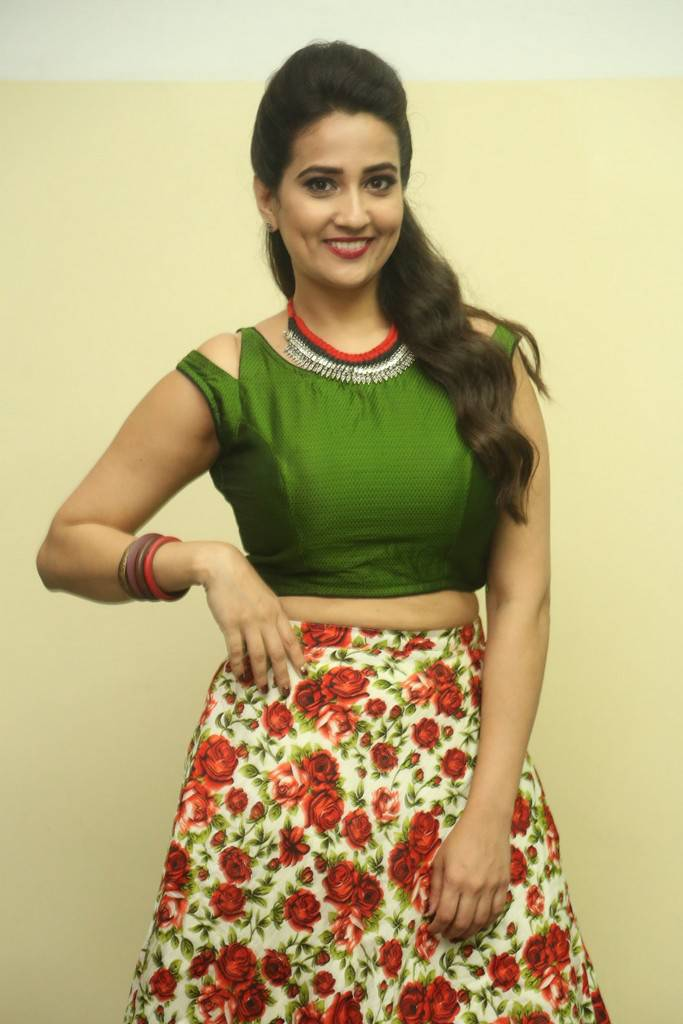 Anchor Manjusha At Jai Lava Kusa Movie Jayotsavam Event Stills