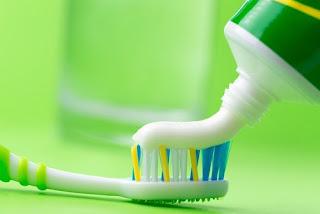 11 Utilisations alternatives de dentifrice que vous ne savez sûrement pas
