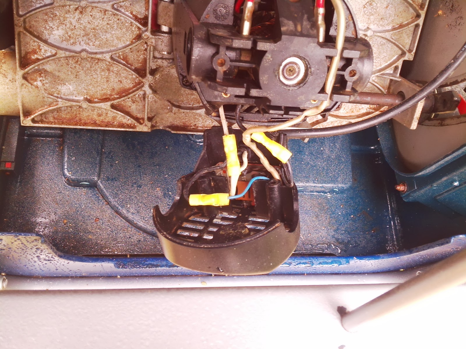 small resolution of here is a really bad wiring photo i m having computer issues at the moment