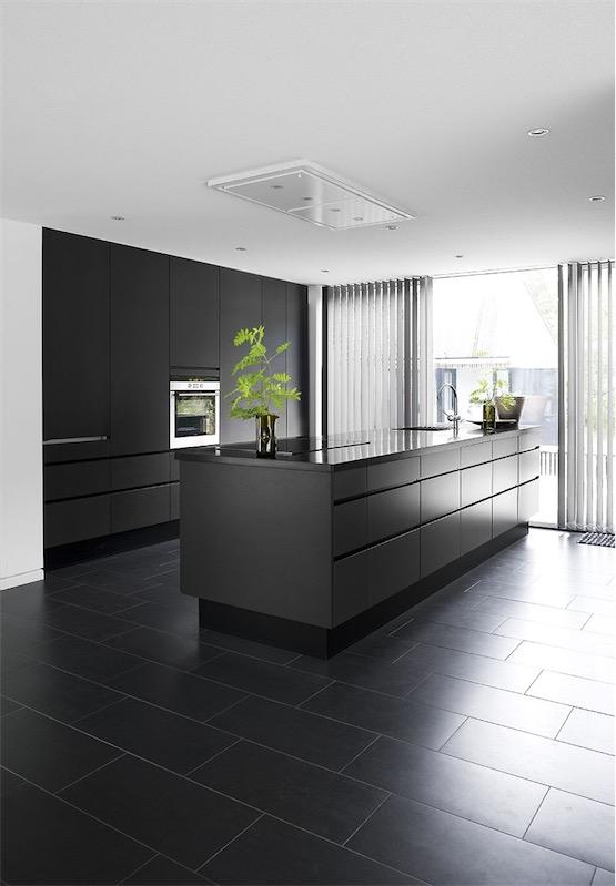 cocina total black casa de diseño escandinava chicanddeco
