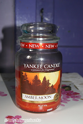 Yankee Candle Amber Moon - czym to pachnie?