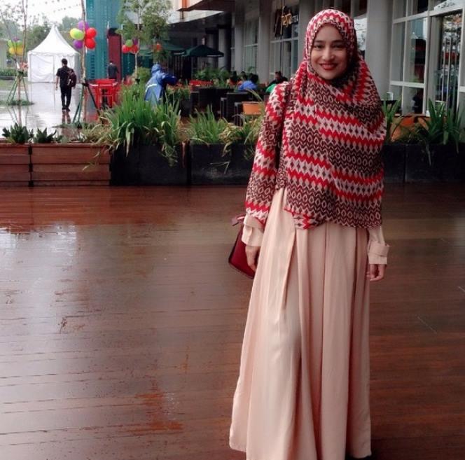 30 Model Hijab Syar'i Modern Terbaru Terupdate | gebeet.com