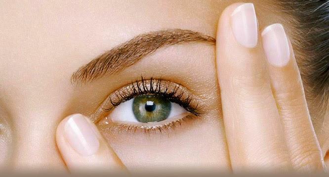 contorno de ojos